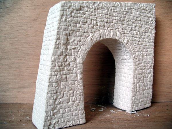 Tunnel Portale, Brücken und Mauern