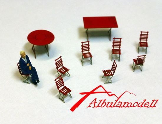Gartenstühle und Tische (H0)