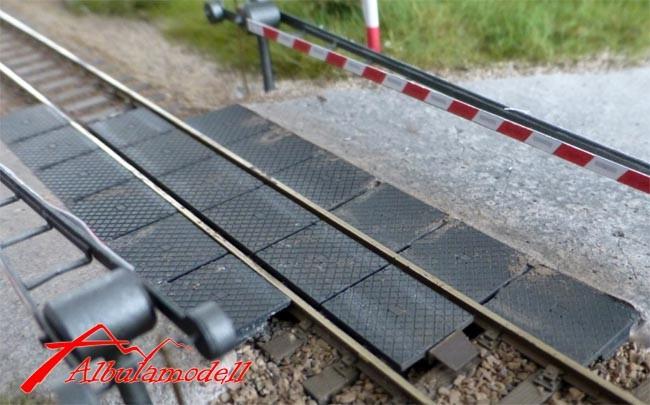 Gleis Übergang Strasse/Bahnübergang STRAIL modern (H0)
