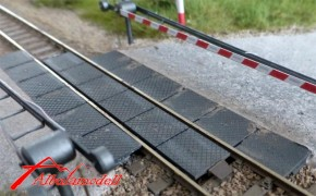 Gleis Übergang Strasse/Bahnübergang STRAIL modern (H0m)