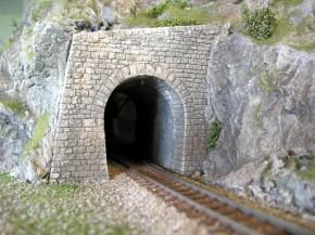 RhB H0m Tunnel Portal links (grau-schiefer)